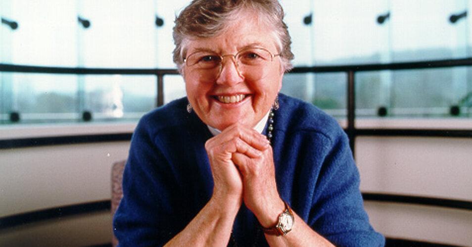 Frances Allen, Who Helped Hardware Understand Software, Dies at 88
