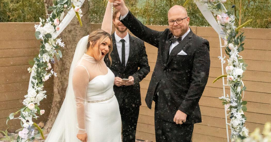 Despite the Texas Winter Storm, Weddings Went On