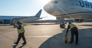 Flying and Climate: Airlines Under Pressure to Cut Emissions